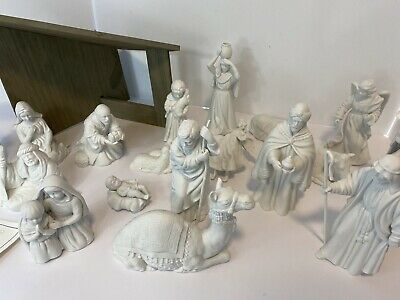 Vintage 1981-1993 AVON White Porcelain Nativity Set with Stable