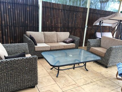Outdoor lounge    GOOD AS NEW. outdoor lounge in Geelong Region  VIC   Garden   Gumtree Australia