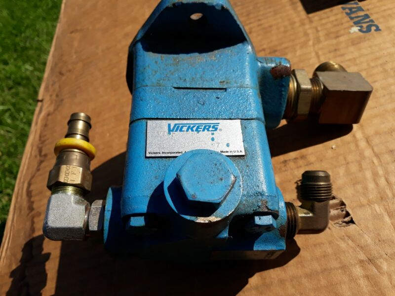 Vickers V10F 1P4P 38A pump
