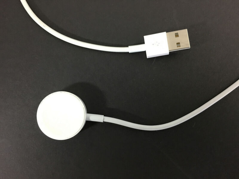 Genuine Apple Magnetic Charging Cable (2m) for Apple Watch (All White) - Used