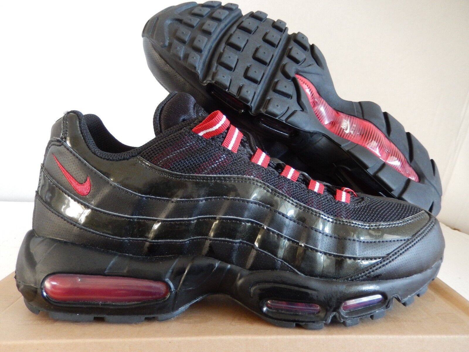 NIKE AIR MAX 95 BLACK VARSITY RED SZ 10.5 PATENT RARE!! [609048 037]