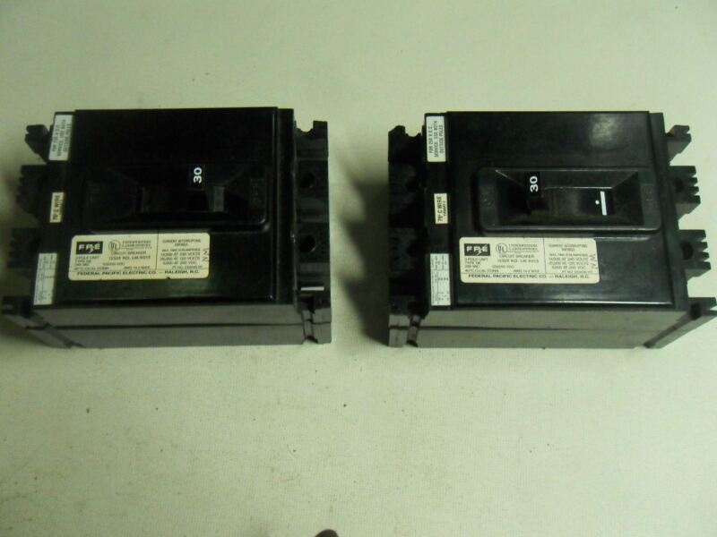 (O1-2) 2 FEDERAL PACIFIC D53448107 30A CIRCUIT BREAKERS