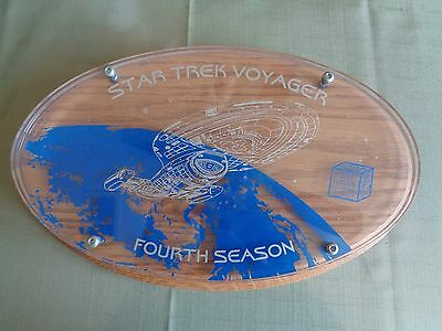 Star Trek Voyager Cast Crew Plaque 4th Season Mint Condition