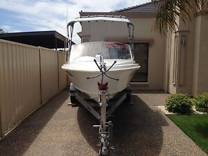 6.11 meter Fibreglass Brooker Runabout Seaton Charles Sturt Area Preview