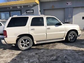 2004 Cadillac Escalade ~ SAFETIED AND READY TO GO!!