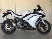 2014 Kawasaki Ninja 300cc for sale, white in colour... Griffin Pine Rivers Area Preview