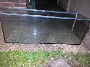 REPTILE / FISH GLASS TANK GOOD CONDITION Sunnybank Hills Brisbane South West Preview