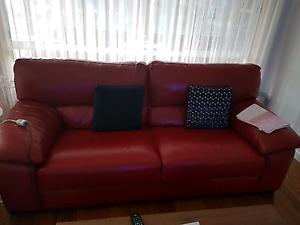 Red leather couch Epping Whittlesea Area Preview