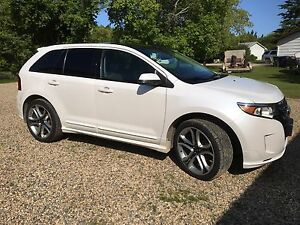 Mint 2013 AWD Ford Edge Sport