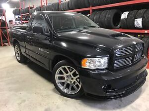AS NEW 2004 DODGE SRT 10 VIPER TRUCK UNDER 6000KM   MINT $40,000