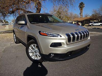 2015 Jeep Cherokee  Jeep Cherokee 2015 No Reserve