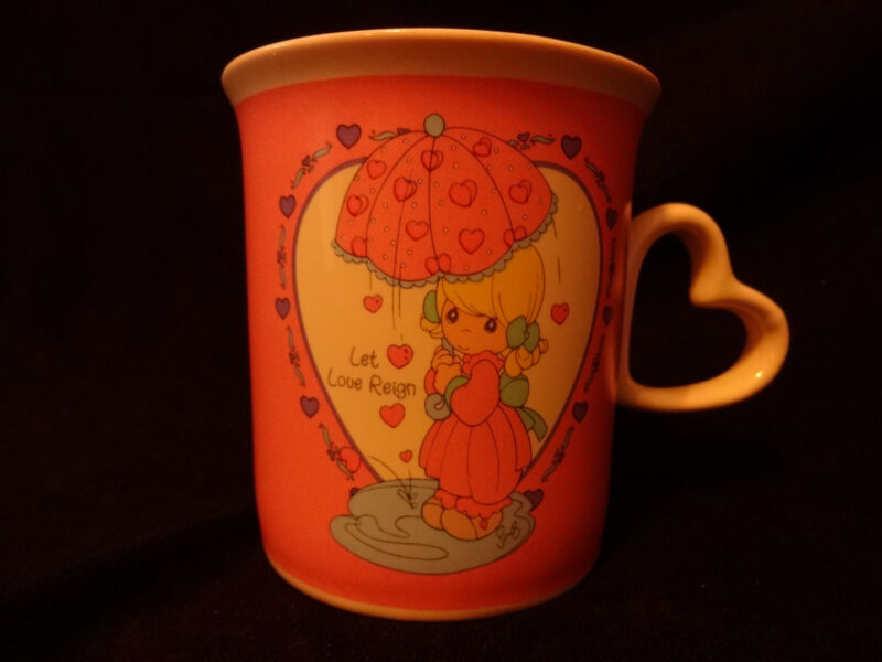 "Precious Moments Coffee Mug Cup ""LET LOVE REIGN"" Heart Shaped Handle ENESCO"