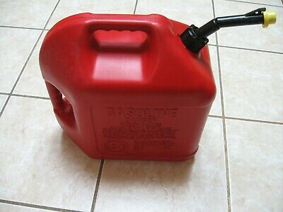 Classic Pre Ban Blitz 5 Gallon Gas Can Self Venting Fast Pouring Spout And Cap