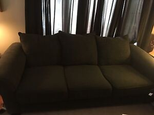 Couch and Love Seat Set!