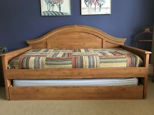 Twin size trundle beds