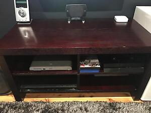 Brown entertainment unit/ tv stand Ruse Campbelltown Area Preview