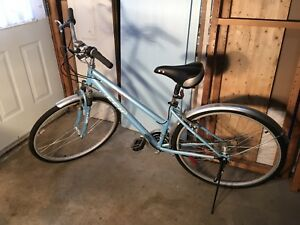 CCM Avenue Women's 700C Bicycle