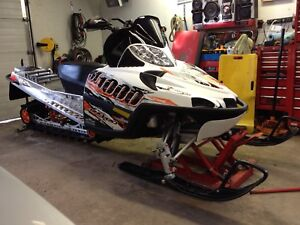 Mint Condition 175hp MOUNTAIN SLED ARCTIC CAT M1