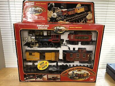 Train Set Disney Mickey & Friends Electronic Moving Engine Cars Tracks Preowned