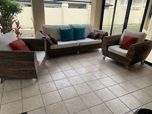 Stunning wicker lounge suite