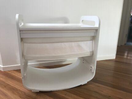 fabulous condition-Natures purest bassinet/cradle-rocking & fixed