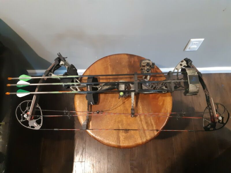 Bowtech Destroyer 340 Left Hand Compound Bow With Extras