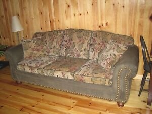 Miraculous Orillia Only Buy Or Sell A Couch Or Futon In Barrie Evergreenethics Interior Chair Design Evergreenethicsorg
