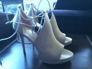 Beautiful shoes from Aldo - size 10 - excellent condition