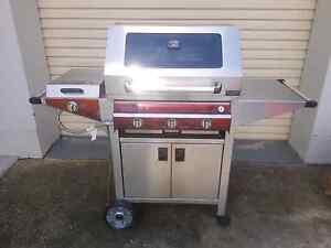 BBQ 3 burner + side burner $500 neg. Greenwith Tea Tree Gully Area Preview