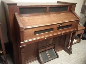 Beautiful Antique Organ (Make an Offer)