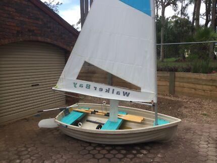 Walker bay 8 sailing dinghy