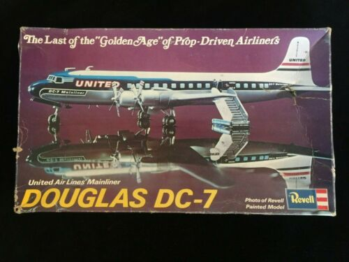 UNITED AIRLINES DC-7 MAINLINER   MODEL AIRPLANE KIT