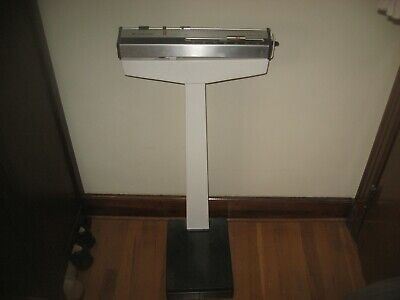 Vintage HEALTH-O-METER Doctors Weight Scale For Office Style 350 Lbs (Model 230)