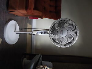 BLACK AND DECKER STAND FAN