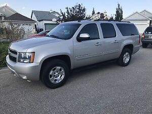2009 Chevrolet Suburban LT Great Condition