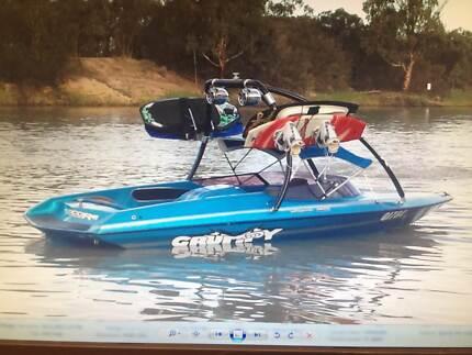 Camero Strada 1800 Ski Wake boat Frankston South Frankston Area Preview