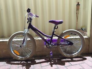Cyclops girls hyperlite 40cm Bike, fantastic condition . Hardly used