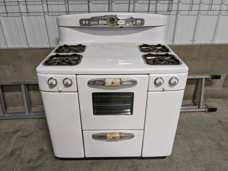 Antique vintage gas stove, white color, Tappan Deluxe,very good condition
