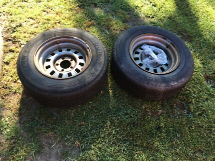 Trailer hubs and rims ford tyres