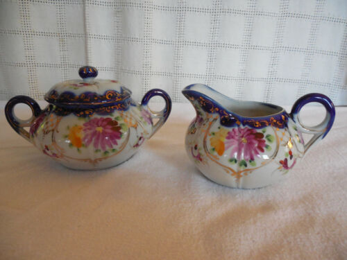 Lovely vintage hand painted creamer & sugar w/ flowers & gold accents