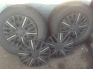 LOTS OF TRED LEFT SIZE 235/70R16