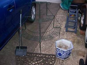 pot plant stand pot rubber matdust pan Cranebrook Penrith Area Preview
