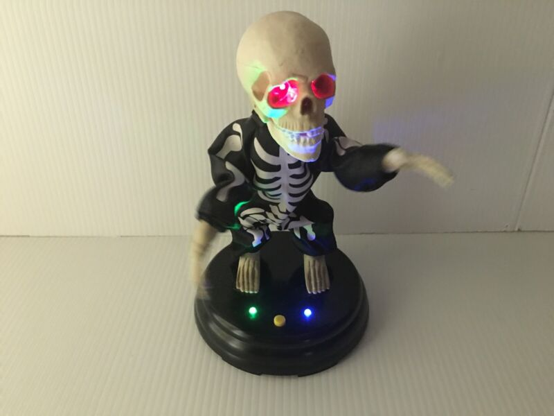 Gemmy Grave Raver Grovin Ghoul Skeleton Livin La Vida Loca Halloween SEE VIDEO
