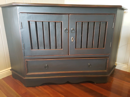 Balinese corner TV cabinet with free blueray player.