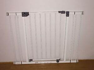 2x child/pet safety gate Madeley Wanneroo Area Preview