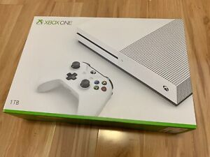 Xbox One S 1Tb (mint condition) **SOLD PENDING**