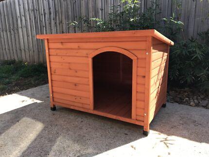 Wooden Dog Kennel Large