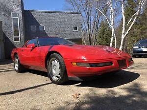 """Rare """"911 killer"""" 1991 Corvette ZR1-1"""