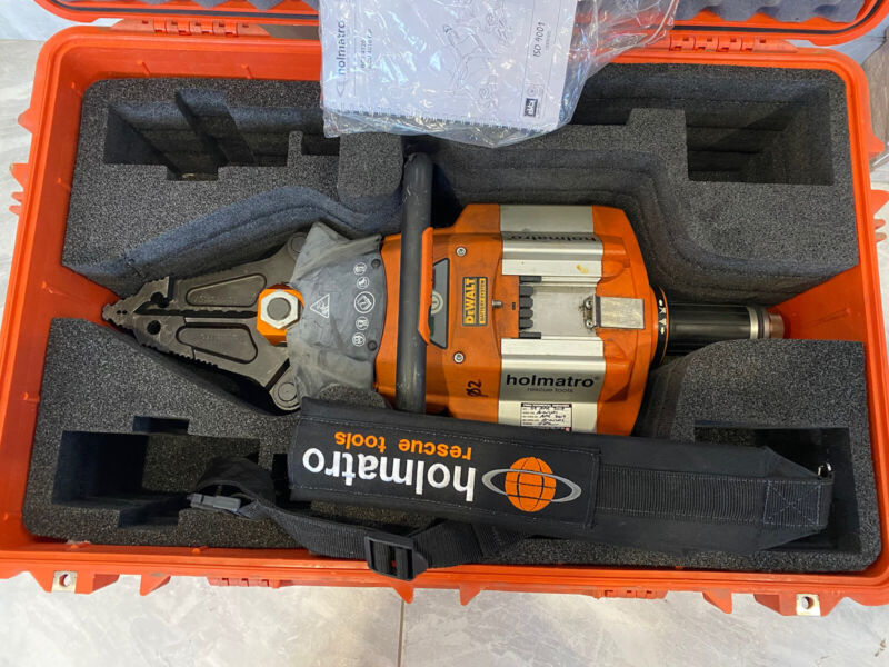 Holmatro BCT-4120 Cordless Battery Spreader Cutter SCRT Jaws of Life Rescue Comb