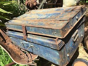 Antique trunk tin Yarra Junction Yarra Ranges Preview